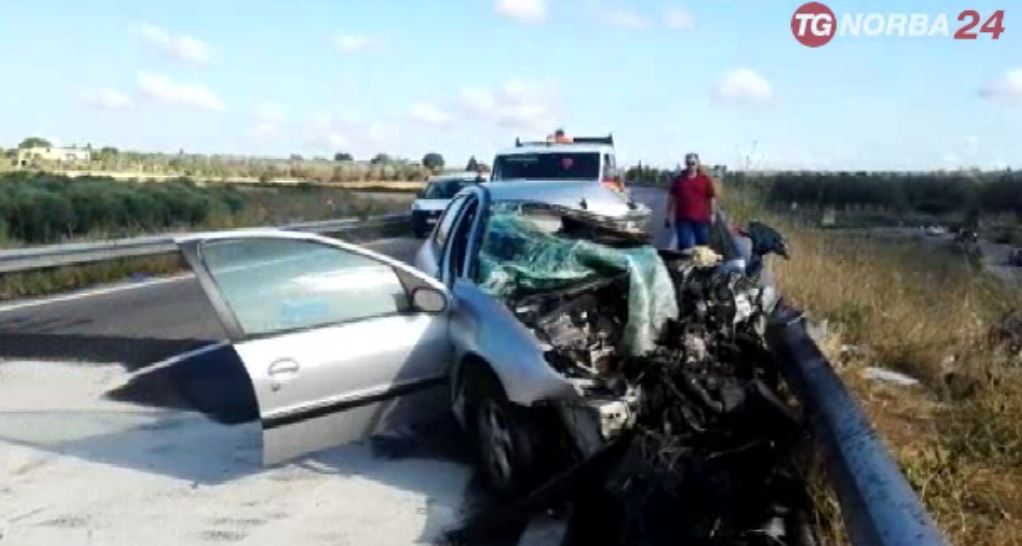Incidente stradale in Salento, due feriti