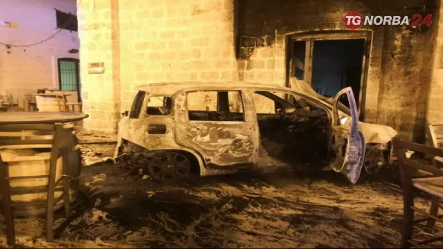 Fasano, attentato incendiario in pub