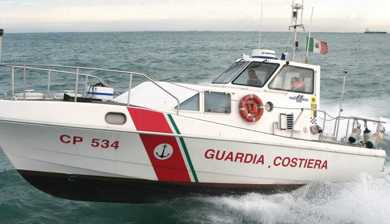 Bari, Guardia Costiera soccorre turista infortunato
